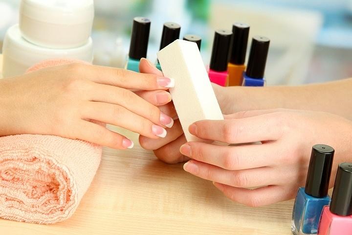 нанесение гель лак для ногтей
